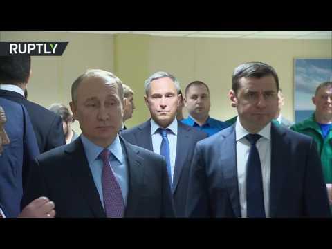 مصر اليوم - الرئيس الروسي بوتين يدشن مصنع إنتاج محركات السفن