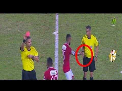 طرد لاعب الأهلي المصري حسام عاشور