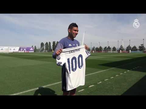 مصر اليوم - شاهد كاسيميرو يحتفل بمشاركته في 100 مباراة مع ريال مدريد
