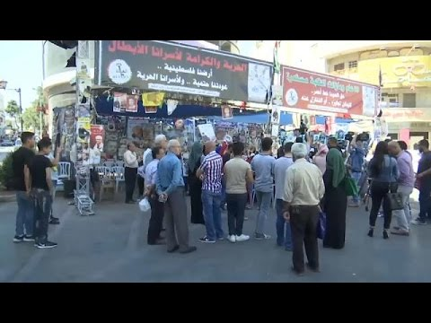 مصر اليوم - شاهد الأسرى الفلسطينيون يعلقون إضرابًا دام 40 يومًا