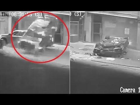 مصر اليوم - شاهد نجاة سائقة بأعجوبة بعد سقوط سيارتها من الطابق السابع