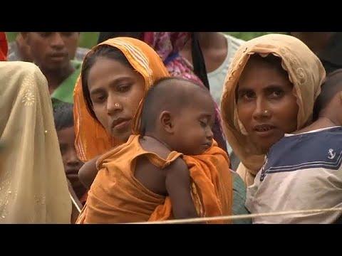 مصر اليوم - شاهد لاجئو الروهينغا ينتظرون معونات الإغاثة في بنغلادش
