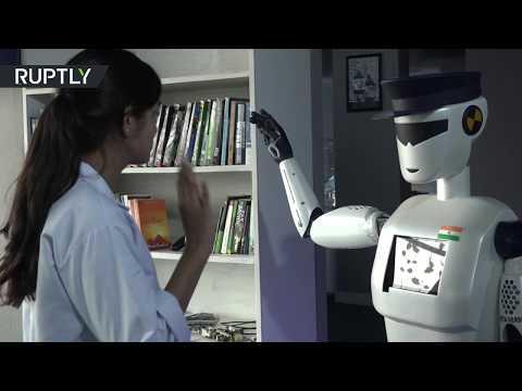 شاهد شركة هندية تصمم روبوتا آليا لمساعدة الشرطة