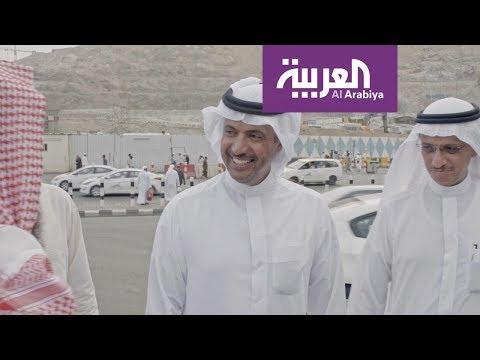 شاهد عيد اليحيى محاطًا بمعجبيه في السعودية