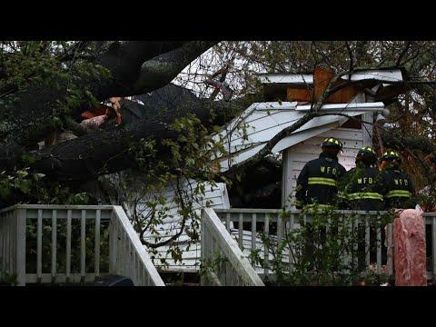 شاهد خمسة قتلى إثر إعصار فلورنس في كارولينا الأميركية