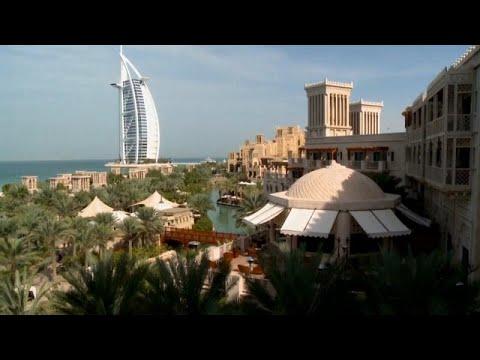 شاهد دبي تعيش ظاهرة الاحتباس الحراري