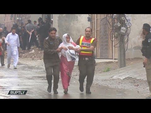 شاهد مقتل مسلحين في عملية عسكرية بمنطقة حياة آباد بباكستان