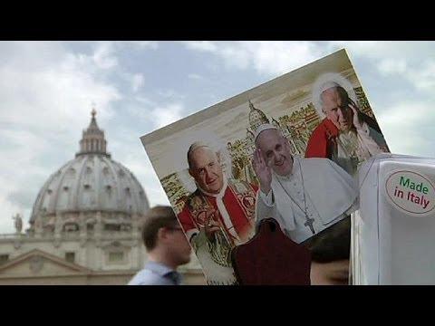 الفاتيكان تستعد لتقديس اثنين من الباباوات