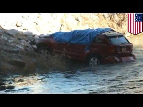 طفلة تعلق داخل سيارة سقطت في النهر