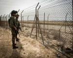إطلاق قنابل ضوئية على الحدود الشمالية للاشتباه بفرار شخص باتجاه لبنان
