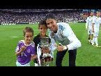 مصر اليوم - شاهد لقطة اليوم لاحتفال رونالدو مع ابنه بلقب السوبر
