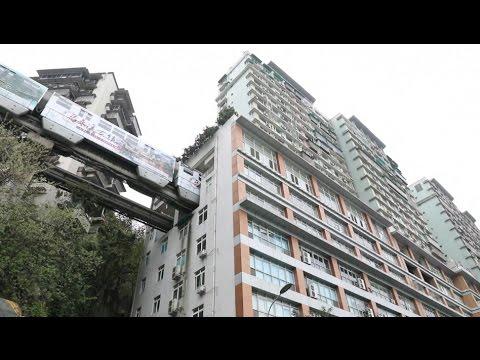 مصر اليوم - شاهد مترو في الصين يمر من خلال شقة سكنية