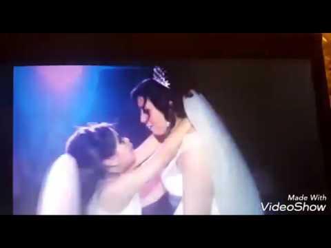 مصر اليوم - شاهد عروس ترقص مع طفلتها في مشهد مؤثر أبكى الجميع