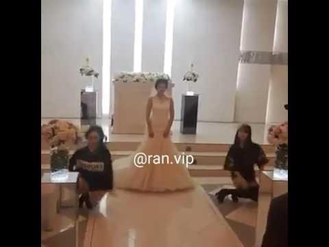 مصر اليوم - بالفيديو عروس مميّزة تشارك صديقتيها في رقصة مذهلة في زفافها