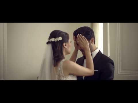 مصر اليوم - عريس لا يتمالك دموعه لدى رؤية عروسه