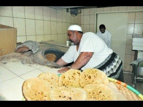 مصر اليوم - بالفيديو أسرع الطهاة في العالم يشعلون مواقع الإنترنت
