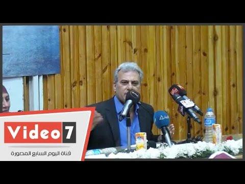 مصر اليوم - شاهد جابر نصّار يؤكد أن منظر المصلين لا يليق بالمكان العام