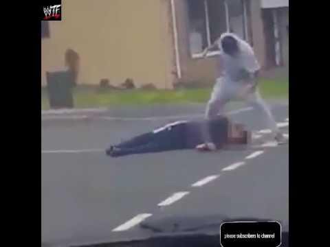مصر اليوم - امرأة منتقبة تتدخل لإنقاذ حياة رجل من يد لص