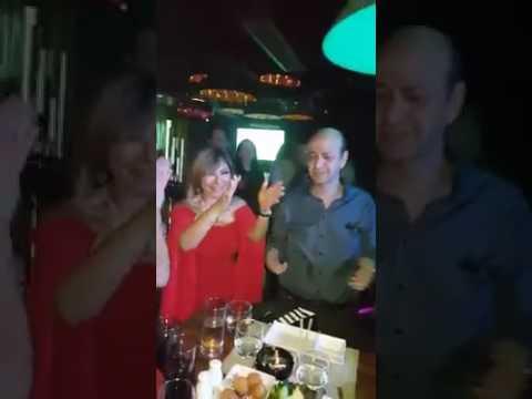 مصر اليوم - بالفيديو وصلة رقص مثيرة لعمرو أديب في عيد ميلاد زوجته لميس الحديدي
