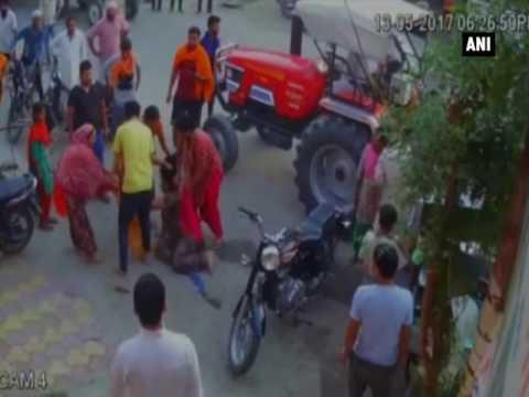 مصر اليوم - هندية تتلقى الضرب قبل تحريرها محضرًا ضد رجل