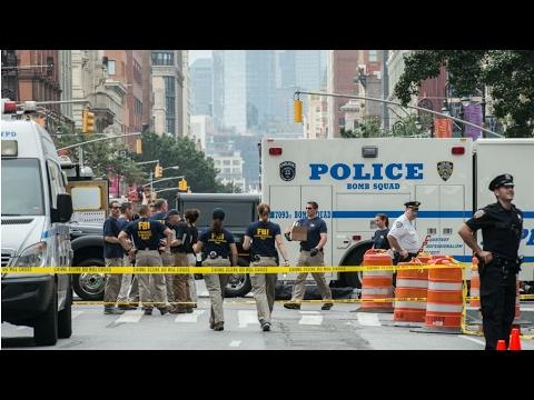 مصر اليوم - شاهد  سيارة تدهس مارة في نيويورك