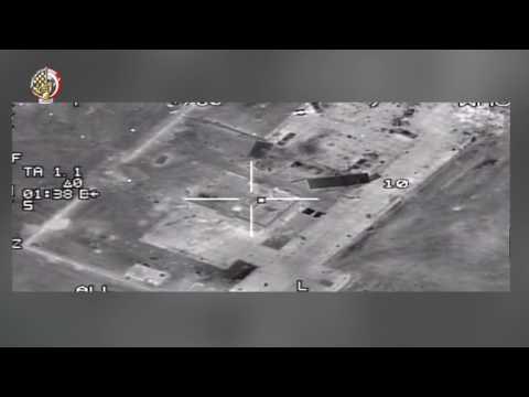 مصر اليوم - شاهد  القوات الجوية المصرية تقصف عددًا من مواقع المتطرفين في ليبيا