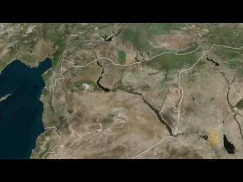 مصر اليوم - شاهد موجة نزوح واسعة من الرقة