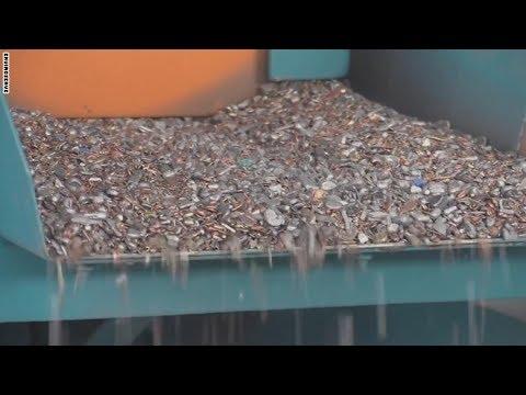مصر اليوم - شاهد إنتاج الذهب والفضة من النفايات الإلكترونية للشرق الأوسط