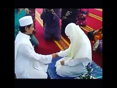 مصر اليوم - شاهد رد فعل عروسة تصافح زوجها لأول مرة