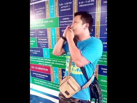 مصر اليوم - شاهد لحظة إقناع رجل زوجته باعتناق الإسلام عبر الهاتف من مكة