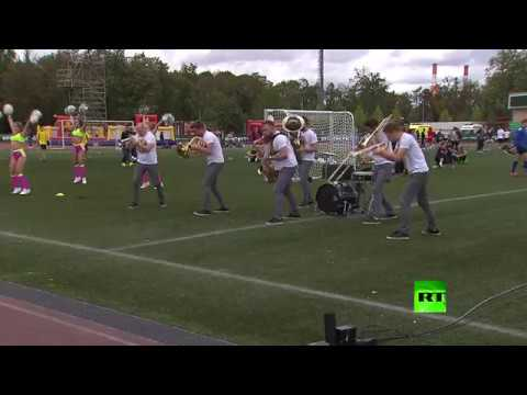 مصر اليوم - شاهد افتتاح مهرجان روسيا تحب كرة القدم في موسكو