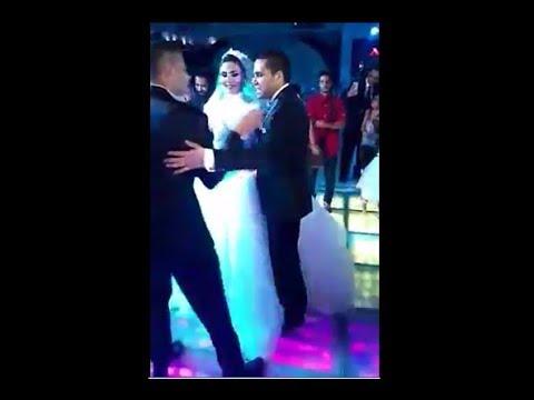 مصر اليوم - شاهد شقيقا العروس يتنازعان على من يرقص أولا