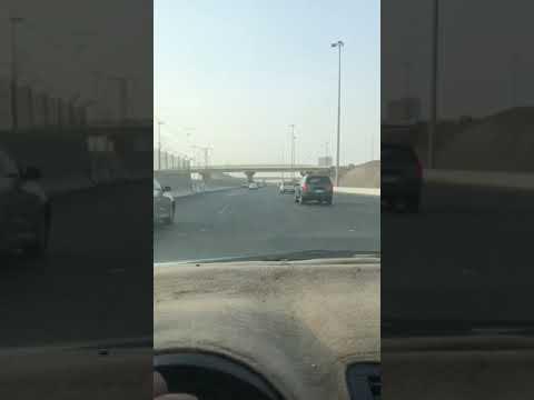 مصر اليوم - شاهد نهاية مروعة لمطاردة بين سيارتين على طريق سريع