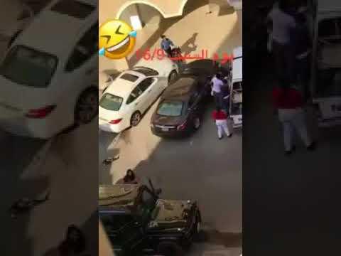 مصر اليوم - شاهد فتاة تتسبب في مشاجرة بالأسلحة البيضاء