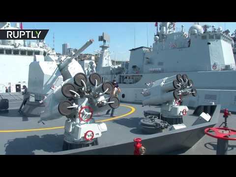 مصر اليوم - شاهد لحظة وصول سفن حربية صينية إلى فلاديفوستوك الروسية