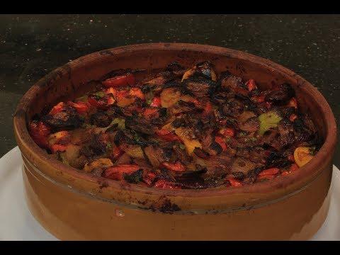 مصر اليوم - شاهد طريقة إعداد وطهي طاجن السمك البياض