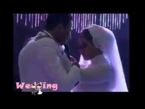 مصر اليوم - شاهد عريس يفاجئ عروسه بأداء رائع لأغنية من تأليفه