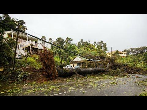مصر اليوم - شاهد الإعصار ماريا يقترب من سانتا كروز بعد إيقاع الدمار في غوادلوب