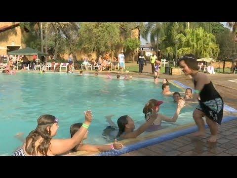 مصر اليوم - انطلاق مهرجان الأقزام في جنوب أفريقيا