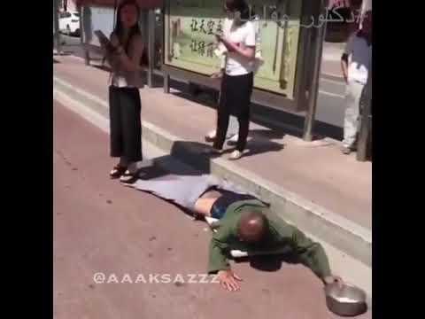 مصر اليوم - شاهد فتاة تكشف خدعة متسول بـالصدفة