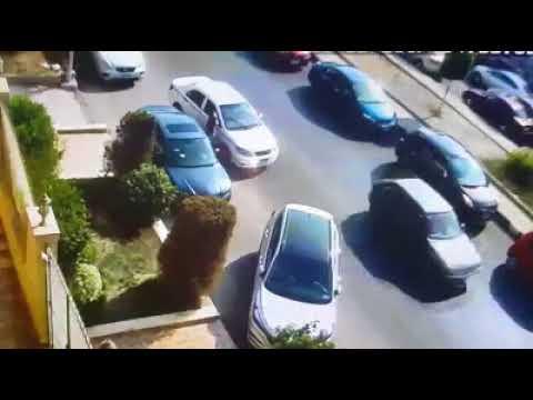 مصر اليوم - شاهد لحظة سرقة سيارة في وضح النهار داخل التجمع الخامس