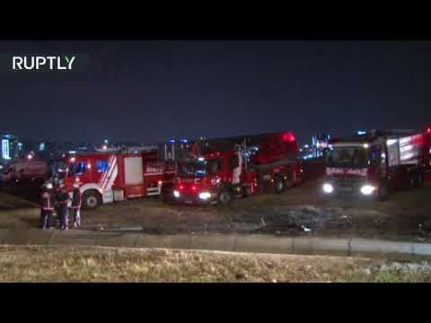 مصر اليوم - شاهد حريق يلتهم طائرة ركاب في مطار أتاتورك