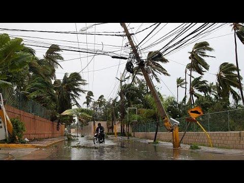 مصر اليوم - شاهد ارتفاع حصيلة ضحايا إعصار ماريا إلى رقم ضخم