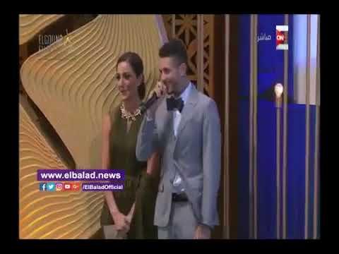 مصر اليوم - شاهد  أحمد الفيشاوي يقول لفظ خارج علي المسرح
