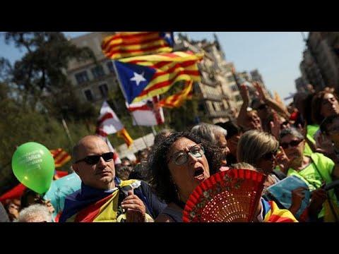 مصر اليوم - تواصل التعبئة في كتالونيا قبل أسبوع عن استفتاء الانفصال