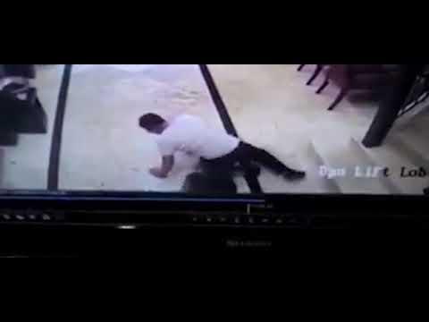 مصر اليوم - شاهد لحظة انفجار هاتف سامسونغ في جيب رجل