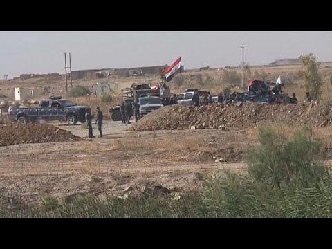 مصر اليوم - شاهد مواجهات بين الجيش العراقي والبشمركة خارج كركوك