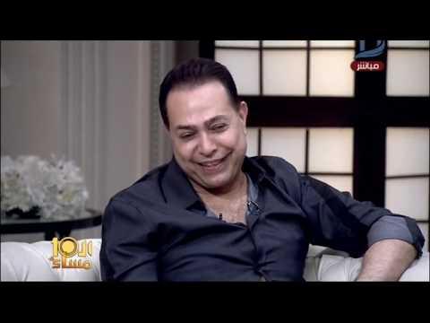 مصر اليوم - شاهد حكيم يعتذر عن وضع قدمه على آية قرآنية في أحد الكليبات