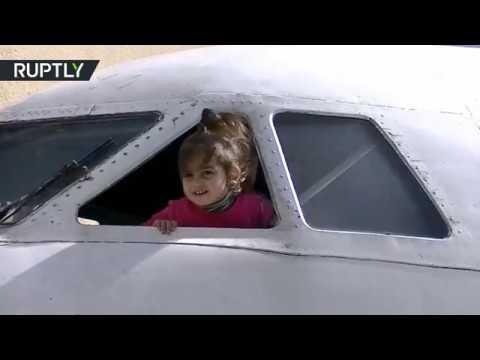 مصر اليوم - شاهد افتتاح روضة للأطفال في طائرة قديمة في جورجيا