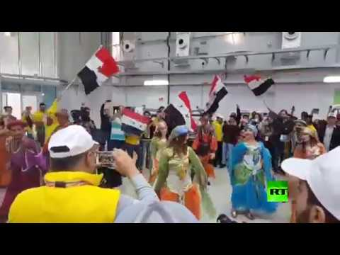 مصر اليوم - شاهد رقصات شعبية على هامش مهرجان الشباب العالمي